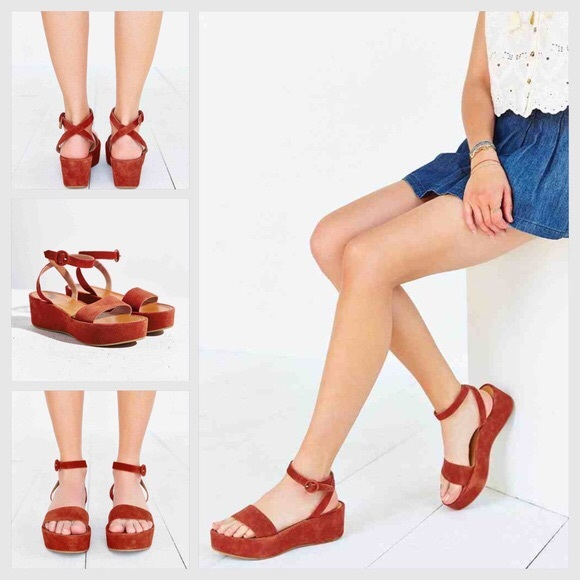 Urban Outfitters Platform Sandals Never